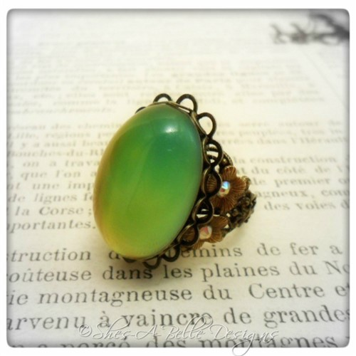 Victorian Style Mood Ring in Antique Bronze, Adjustable Ring