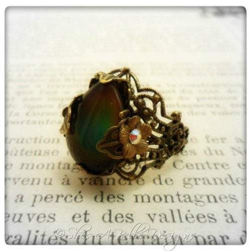 Victorian Style Teardrop Mood Ring in Antique Bronze, Adjustable Ring
